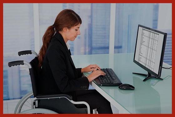 девушка инвалид работает в интернете