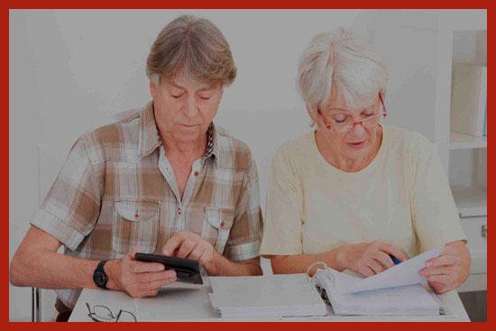 пенсионерка оформляет субсидию