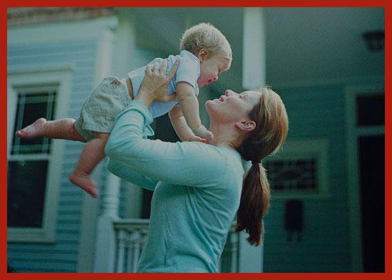 одинокая мать с ребенком