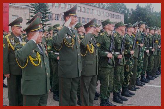 офицеры на параде