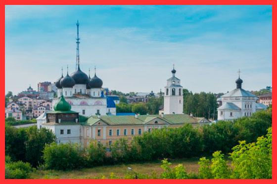 памятники Кировской области