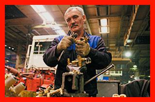 пенсионер на заводе