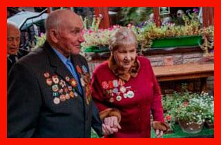 военные пенсионеры на празнике