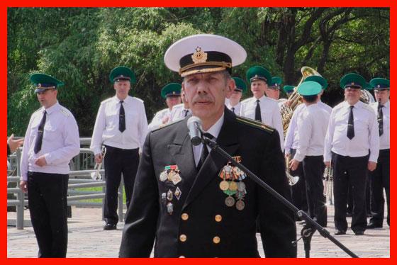 работающий военный пенсионер